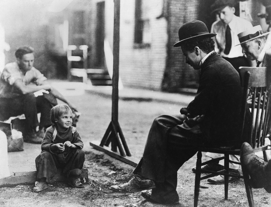 Chaplin & Jackie Coogan: On the set of THE KID